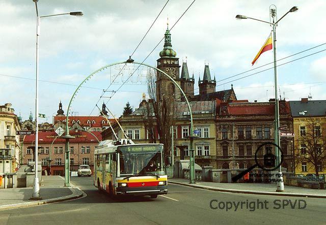 http://www.spvd.cz/cz/hradeckralove/hradeckralove/2002_centrum_most.jpg