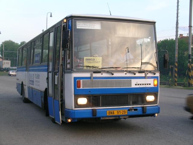 Autobus MHD v Heřmaničkách