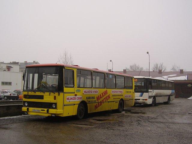 Karvinské Karosy na autobusové stanici.